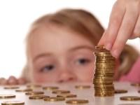 Euro crește constant spre 4,6 lei