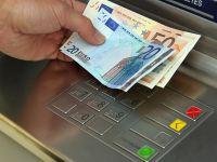Ușoară apreciere a euro