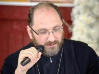 Părintele Necula conferențiază la Facultatea de Medicină