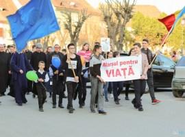 """A treia ediție a """"Marșului pentru viață"""" la Mediaș"""