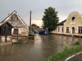 Cod portocaliu de inundații, până vineri dimineață