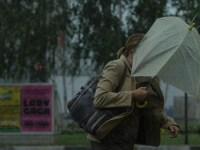 Vânt năprasnic în Sibiu, cu rafale de 65 km/h. E Cod galben