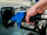 Preţul benzinei a ajuns sub 5 lei pe litru