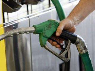Motorina și benzina SE SCUMPESC din 1 ianuarie 2019. Sau nu? Ministrul Finanțelor vorbește despre PLAFONAREA PREȚURILOR!