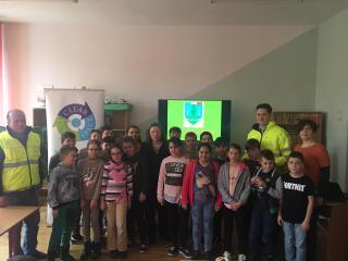 """Acțiuni educative ale Gărzii de Mediu, la Liceul Teoretic """"Constantin Noica"""" din Sibiu și Școala gimnazială nr. 3 din Cisnădie"""