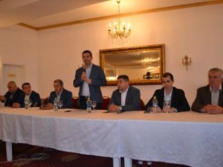 Daniel Constantin, eveniment la PRO România Sibiu. Problemele fermierilor și agricultorilor sibieni, în atenția prim-vicepreședintelui partidului (P.E.)