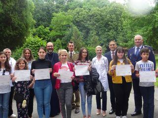 Câștigătorii concursului de desene anti-fumat au fost premiați. Astăzi, marș în centrul orașului și conferință cu părintele Necula