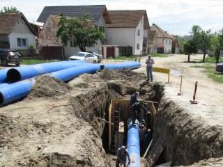 Avarie la rețeaua de apă în cartierul Turnișor, cu scăderea presiunii în zece localități și în Zona Industrială Vest