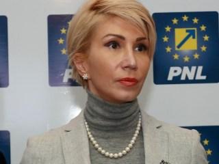 Raluca Turcan: Cu fiecare oră, cu fiecare zi care trece, menținerea guvernului Dăncilă face un rău tot mai mare României