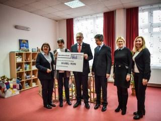 Donație de 10.000 de lei pentru copiii bolnavi, din partea DWS