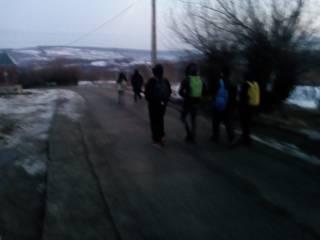 Copii din Prislop în drum spre școală / foto: Facebook PSD Sibiu