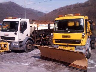 Strat de zăpadă de câțiva centimetri pe Transfăgărășan. Pe restul drumurilor naționale din județ, carosabilul este umed