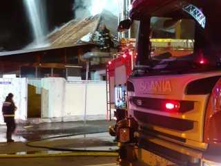 Incendiu azi-noapte în orașul Sibiu. Un restaurant a fost cuprins de flăcări
