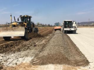 Lucrări la terasamente pe autostrada Sibiu – Boița