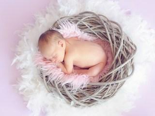 Bebeluș născut la Maternitatea din Sibiu, confirmat cu noul coronavirus