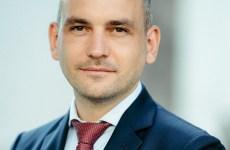 CANDIDAT ÎN PAPUCI DE CASĂ: Adrian Echert țintește președinția CJ Sibiu