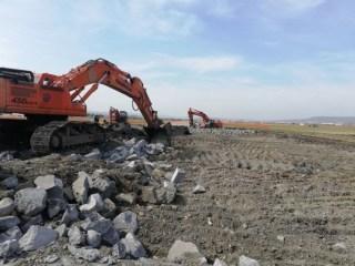 Fără ÎNTÂRZIERI pe Aeroportul Cluj: au început lucrările la noua CALE DE RULARE. Când va fi dată în folosință?