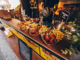"""În atenția gurmanzilor: Festin culinar, timp de zece zile, la """"Street Food Park"""" plus câteva concerte bune"""