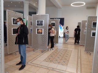 Lucrări alese de la artiști fotografi din 60 de țări, la Salonul Internațional de Artă Fotografică de la Sibiu