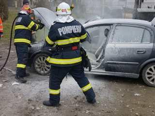 FOTO: Mașină făcută scrum în Micăsasa