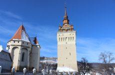 Turnul bisericii fortificate din Saschiz, monument de patrimoniu UNESCO,  a fost reabilitat – FOTO