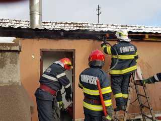 Încă un sfârșit de săptămână greu pentru pompieri. Au avut peste 100 de misiuni