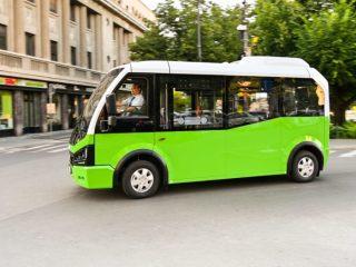 FOTO; Au sosit în Sibiu minibuzele electrice pentru Linia Verde de transport în centrul istoric