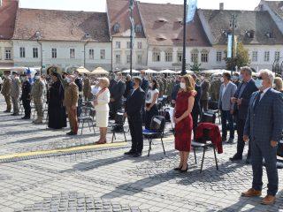Universitatea Lucian Blaga și Academia Forțelor Terestre din Sibiu au deschis anul universitar în Piața Mare