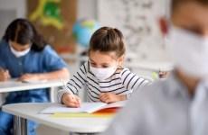 Guvernul decide azi dacă școlile SE ÎNCHID! Elevii ar putea face școala online sau să intre în vacanță 2-3 săptămâni
