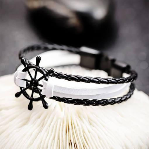 Bracelet de marin motif gouvernail en cuir multicouche blanc noir