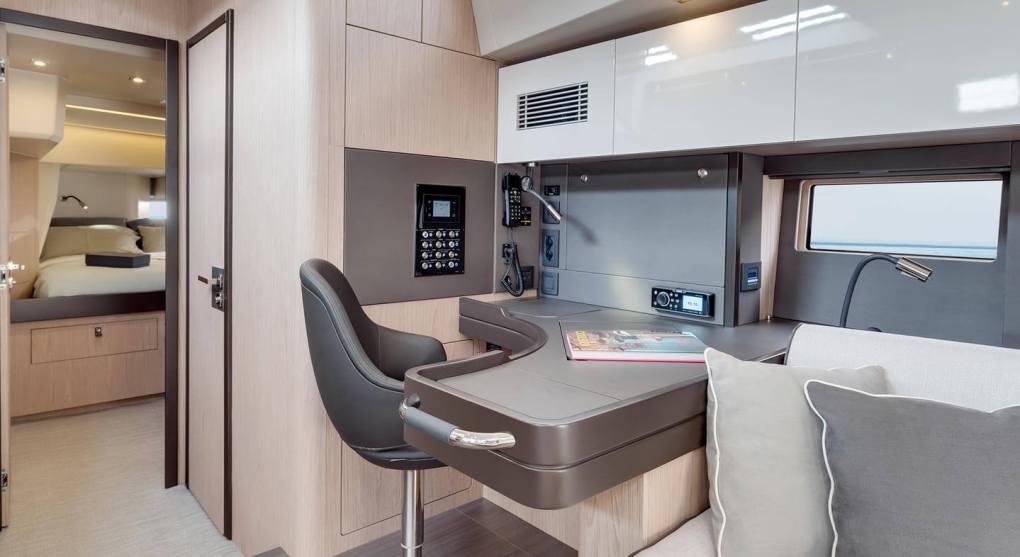 interieur-4-oceanis-yacht-62-beneteau-mesailor