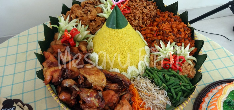 Makanan Dessert Table; Nasi Tumpeng