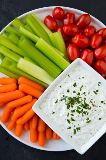 greek-yogurt-ranch-dip4srgb
