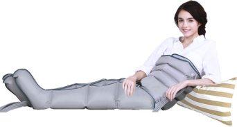 Pressoterapia medicale Top Medical utilizzata con 2 gambali e fascia addominale contemporaneamente.