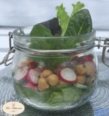 Salade en bocal pois-chiche, radis, cumin et menthe