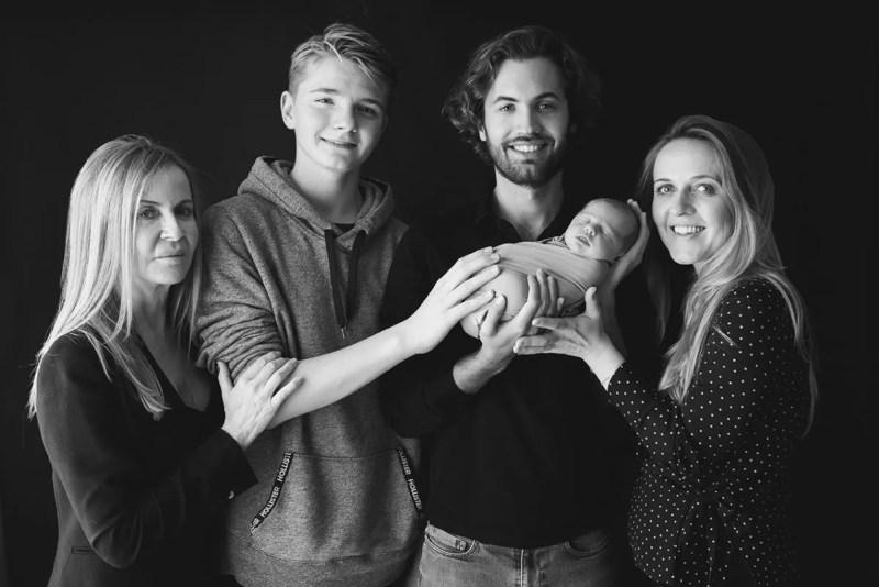 portrait de naissance en famille