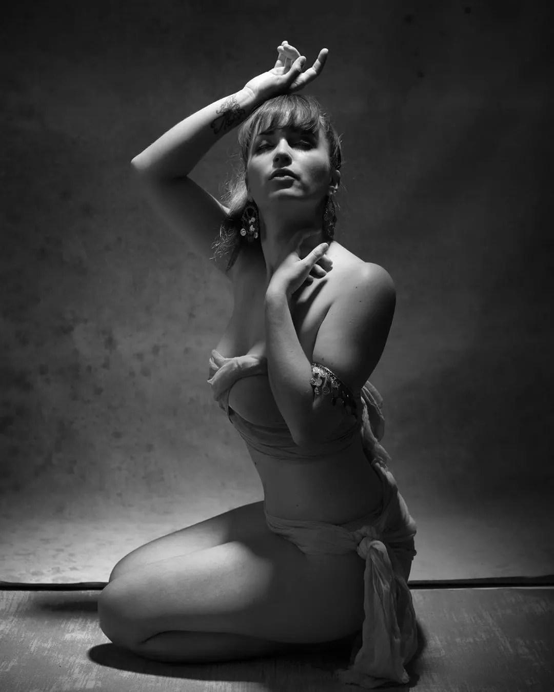 photo mode femme noir et blanc instagram influencer colaboration photo photographe paris