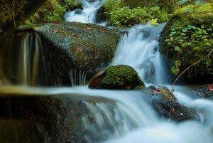 waterfall-470208_640