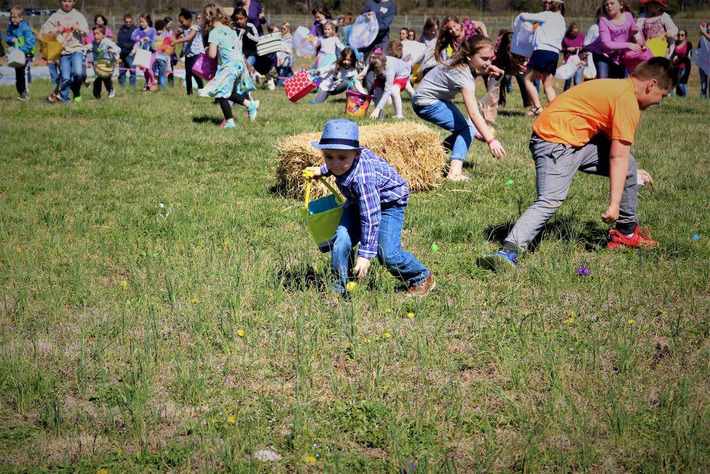 Kids Easter Egg Hunt at Messicks