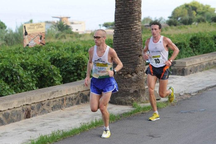 """Il """"Giro Podistico delle Eolie"""" supera l'ostica Salina"""