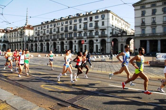 Un gruppo di messinesi al via della Turin Marathon