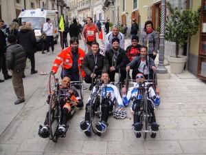 Marathon 2014 il gruppo dell'handbike con il sindaco Piccitto e il vice Iannucci
