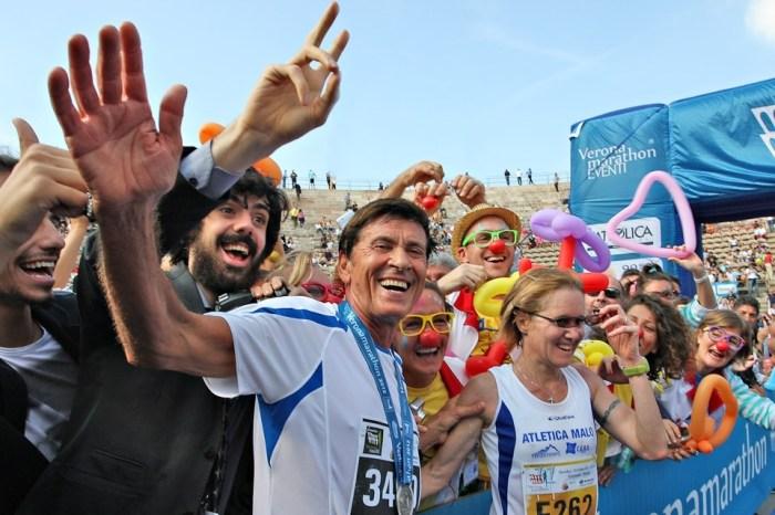 "Gianni Morandi al via della ""Giulietta&Romeo Half Marathon"""
