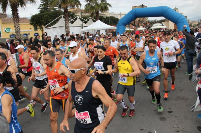 """""""19° Grand Prix di Mezze Maratone"""": il via a Sant'Agata di Militello"""