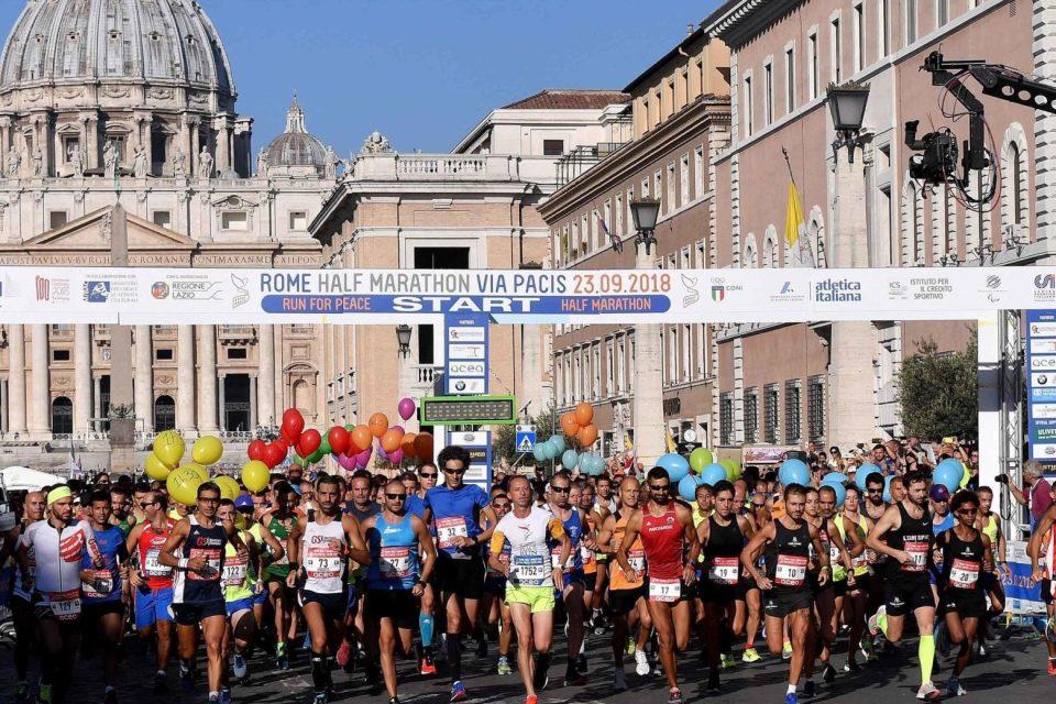 Roma, la Via Pacis corre con Gandhi