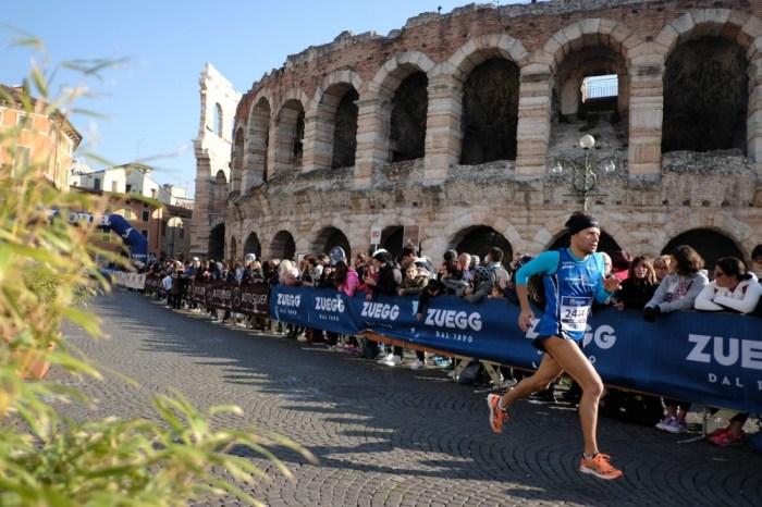 """La medaglia """"della fortuna"""" alla Verona Marathon"""