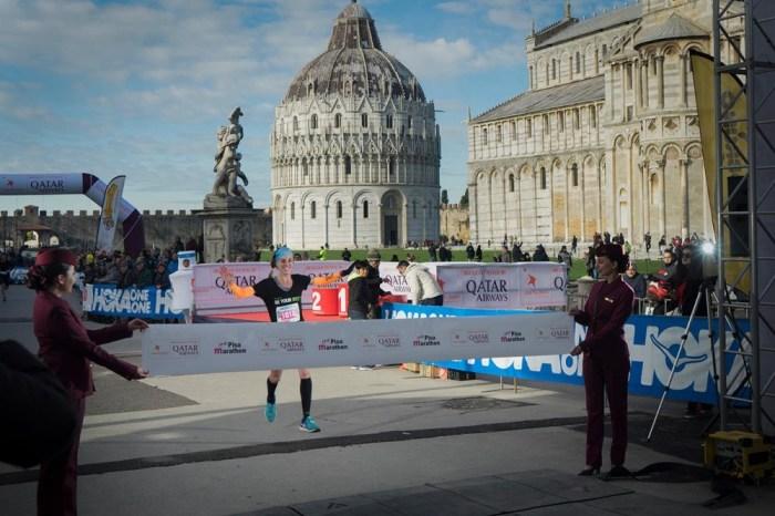 """Maratona di Pisa """"invasa"""" da donne e stranieri"""