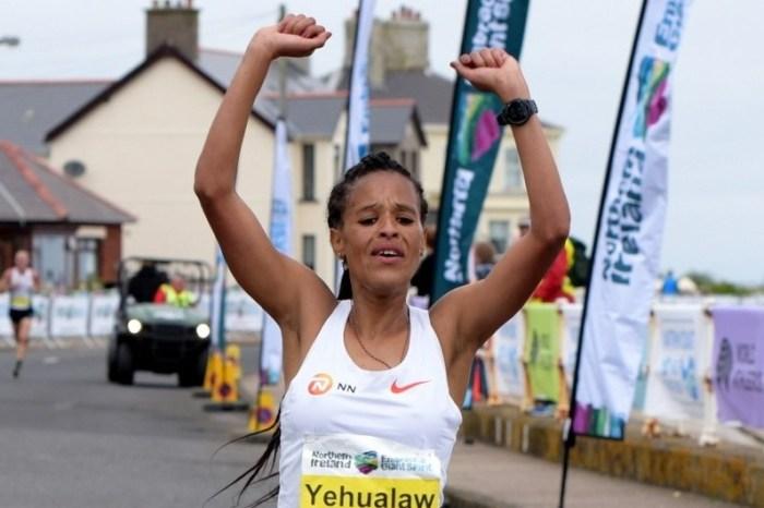 Record mondiale nella mezza: Yehualaw 1h03:44
