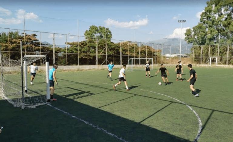 """Τουρνουά ποδοσφαίρου της ΚΝΕ: 16 ομάδες νέων """"σκόραραν"""" ενάντια στα ναρκωτικά"""