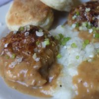 Fried Quail with Country Style Gravy and Grits
